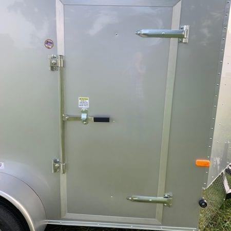 32 Inch bar lock side door for V-nose